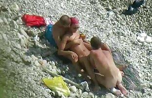 InnocentHigh Maddy Oreilly video film porno en francais T-shirt écolière brune à petits seins