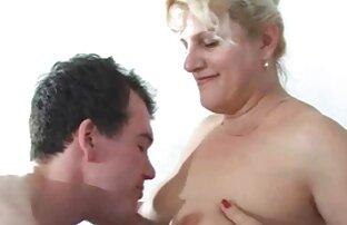 Une brune au cul google porno français chaud se fait baiser dans le bain à remous