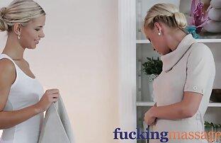 Blondie s'amuse dans les toilettes de la restauration extrait film porno francais rapide!