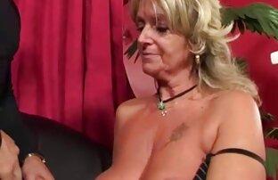 Deux jolies jeunes lesbiennes noires adorent lécher la chatte et jouer avec film porno streaming vf des vibrations et un gode